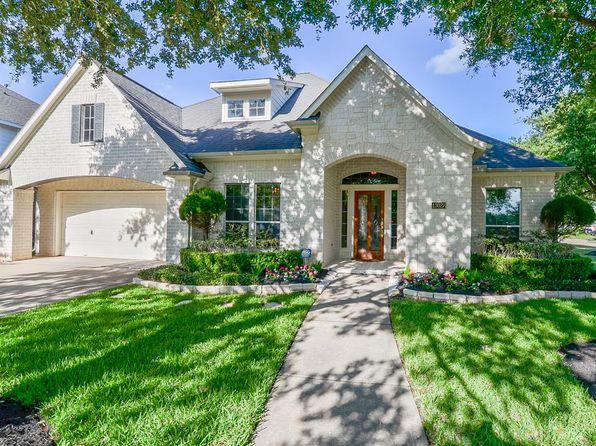 5 bed 3 bath Single Family at 13027 Manor Lake Ln Sugar Land, TX, 77498 is for sale at 318k - 1 of 32