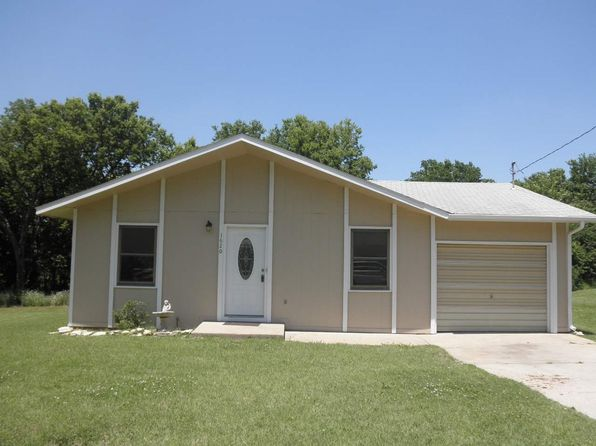 3 bed 1 bath Single Family at 1620 Chicago Ave Winfield, KS, 67156 is for sale at 69k - 1 of 15