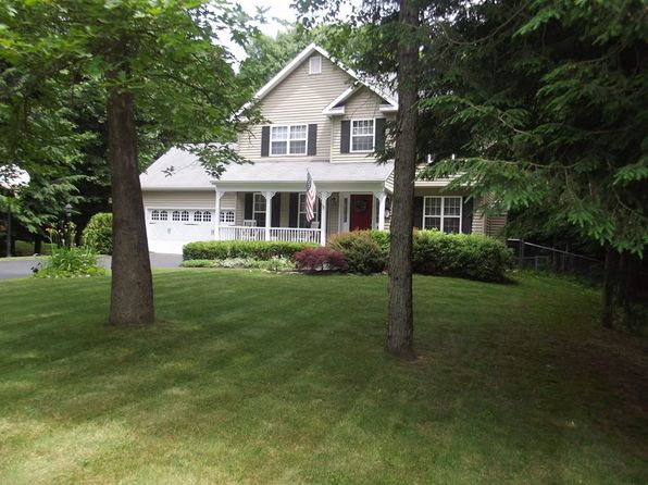 3 bed 3 bath Single Family at 36 Whirlaway Blvd Gansevoort, NY, 12831 is for sale at 314k - 1 of 12