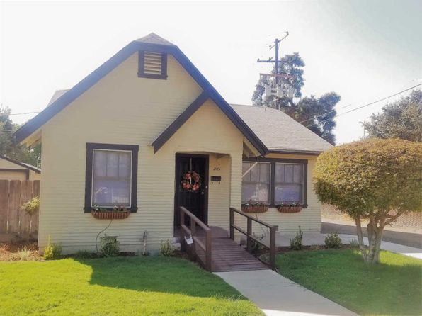 2 bed 1 bath Single Family at 205 S Oakhurst St Visalia, CA, 93292 is for sale at 138k - 1 of 26