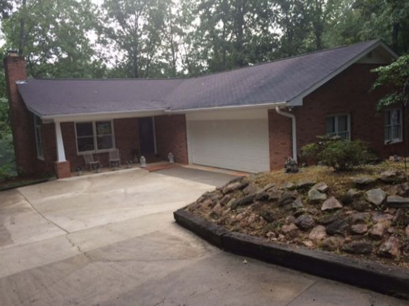 3 bed 2 bath Single Family at 28 Lindy Cv Hartwell, GA, 30643 is for sale at 385k - 1 of 27