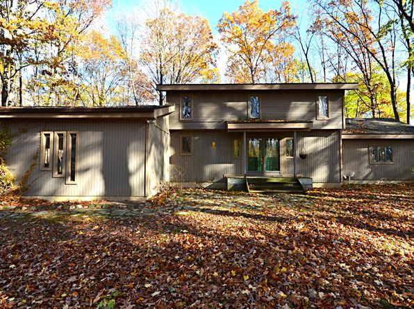 2 bed 3 bath Single Family at 15425 Hawley Rd Holly, MI, 48442 is for sale at 200k - 1 of 21