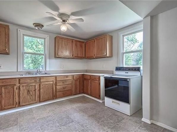 4 bed 2 bath Single Family at 1903 Main St Alton, IL, 62002 is for sale at 73k - 1 of 16