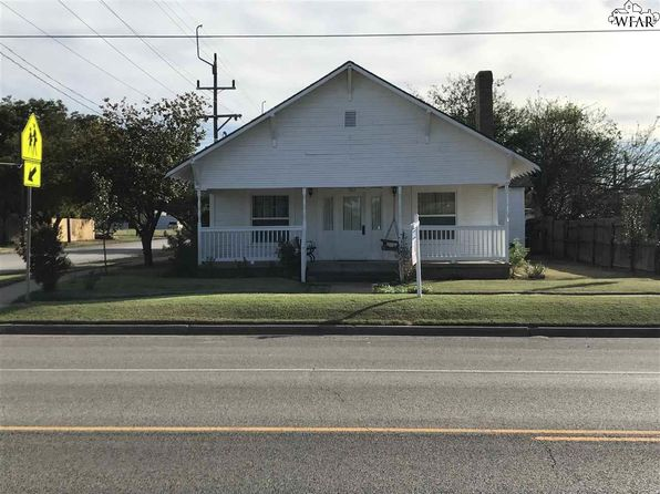 3 bed 2 bath Single Family at 302 W MAIN ST ARCHER CITY, TX, 76351 is for sale at 95k - 1 of 11