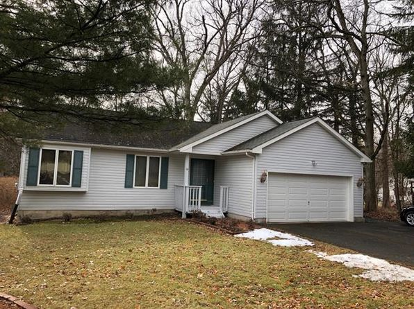 3 bed 2 bath Single Family at 10 Little Ln Roxbury Twp, NJ, 07876 is for sale at 310k - 1 of 13