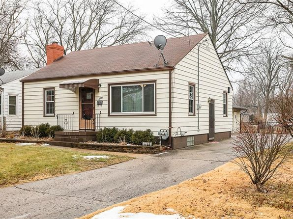 2 bed 1 bath Single Family at 2208 51st St Des Moines, IA, 50310 is for sale at 145k - 1 of 17