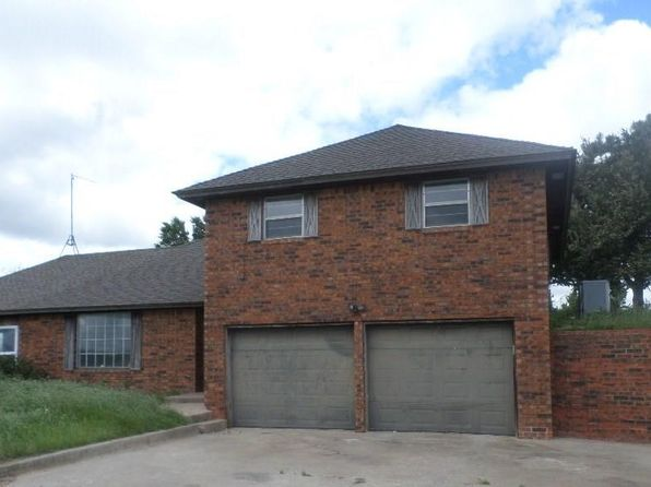 3 bed 3 bath Single Family at 543 RR 3 Watonga, OK, 73772 is for sale at 110k - 1 of 12