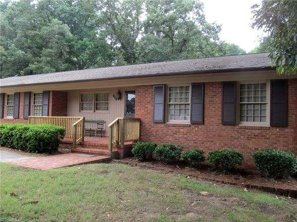 3 bed 2 bath Single Family at 513 Shadybrook Rd High Point, NC, 27265 is for sale at 135k - 1 of 25