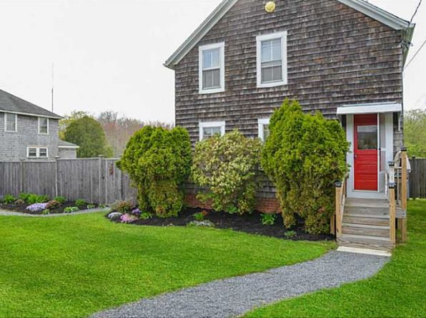 3 bed 2 bath Single Family at 711 Point Judith Rd Narragansett, RI, 02882 is for sale at 349k - 1 of 33