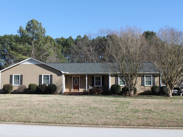 3 bed 2 bath Single Family at 408 Harness Trl Simpsonville, SC, 29681 is for sale at 220k - 1 of 39