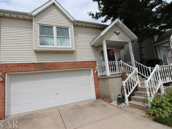 3 bed 3 bath Single Family at 1804 Cottage Ave Bloomington, IL, 61701 is for sale at 120k - 1 of 15