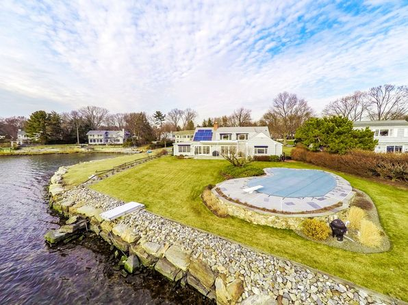 4 bed 3 bath Single Family at 21 Lighthouse Way Darien, CT, 06820 is for sale at 2.39m - 1 of 24