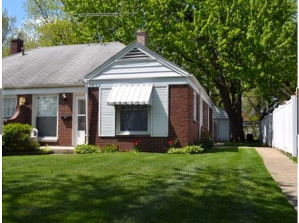 2 bed 1 bath Townhouse at 7634 Manor Ave Munster, IN, 46321 is for sale at 92k - 1 of 9