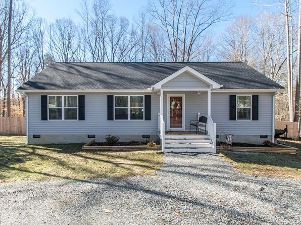 3 bed 2 bath Single Family at 9034 Chriscoe Ln Gloucester, VA, 23061 is for sale at 205k - 1 of 32
