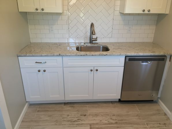 2 bed 1 bath Single Family at 12 Belshaw Ave Eatontown, NJ, 07724 is for sale at 126k - 1 of 3