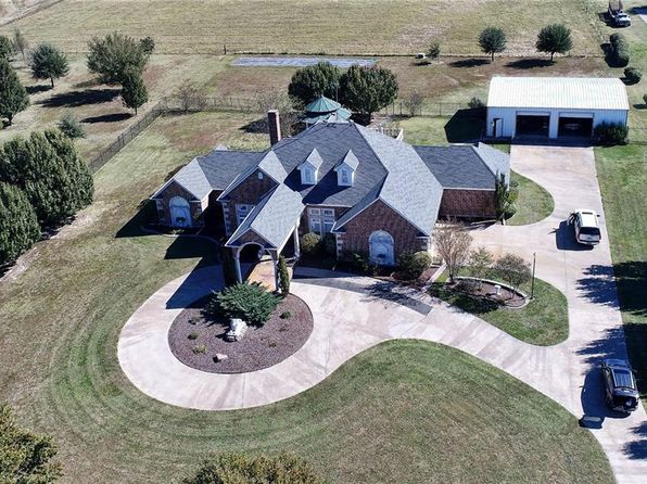 3 bed 4 bath Single Family at 925 14400 Pattonville, TX, 75468 is for sale at 445k - 1 of 33