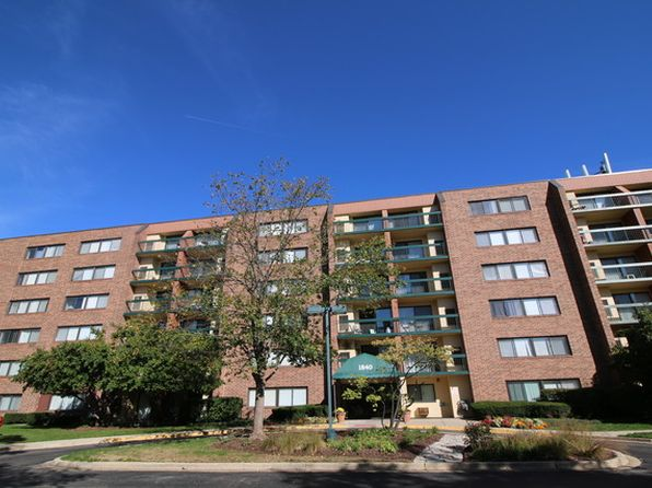 2 bed 2 bath Condo at 1840 Huntington Blvd Hoffman Estates, IL, 60169 is for sale at 110k - 1 of 8
