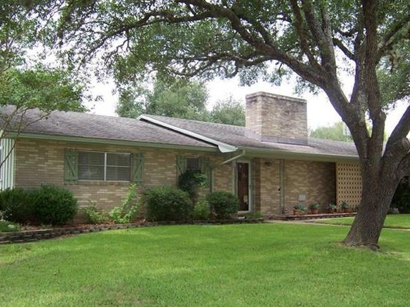 3 bed 3 bath Single Family at 501 Woodland Ave Giddings, TX, 78942 is for sale at 195k - 1 of 22