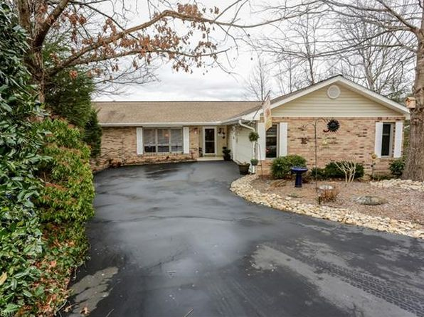 4 bed 3 bath Single Family at 1860 Riverview Ct Hendersonville, NC, 28739 is for sale at 380k - 1 of 23