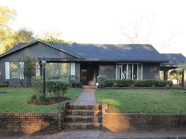 3 bed 4 bath Single Family at 521 Pecan St Wharton, TX, 77488 is for sale at 324k - 1 of 32