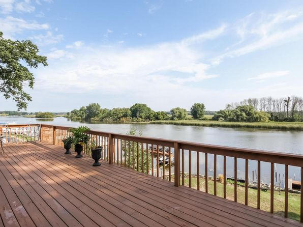 4 bed 3 bath Single Family at 14975 Mercury Dr Grand Haven, MI, 49417 is for sale at 290k - 1 of 26