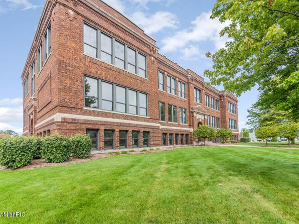 1 bed 2 bath Condo at 460 Broadway St South Haven, MI, 49090 is for sale at 240k - 1 of 29