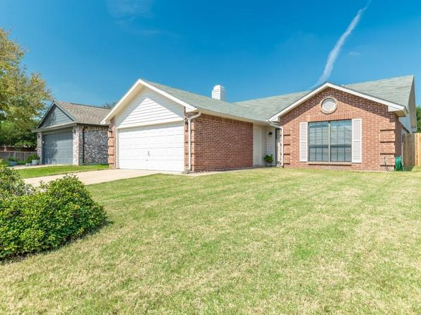 3 bed 2 bath Single Family at 4105 Staghorn Cir N Fort Worth, TX, 76137 is for sale at 173k - 1 of 36
