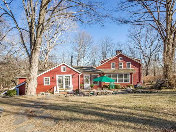 4 bed 3 bath Single Family at 33 LOVERS LN WILTON, CT, 06897 is for sale at 899k - 1 of 40