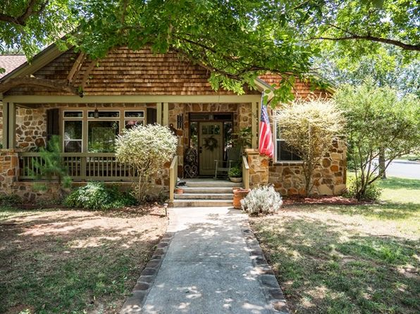 3 bed 3 bath Single Family at 116 Stone Frst Fredericksburg, TX, 78624 is for sale at 369k - 1 of 39
