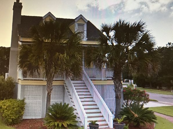 4 bed 3 bath Single Family at 102 Patrick Dr Beaufort, SC, 29902 is for sale at 340k - 1 of 17