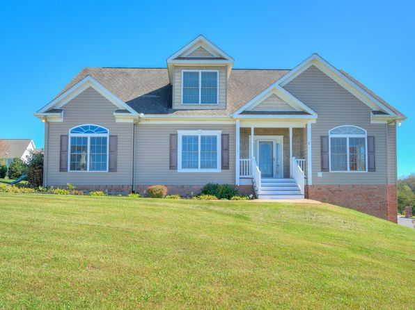 6 bed 4 bath Single Family at 105 Cedar Bluff Dr Christiansburg, VA, 24073 is for sale at 385k - 1 of 58