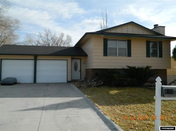 4 bed 1.5 bath Single Family at 1024 MAPLE WAY ROCK SPRINGS, WY, 82901 is for sale at 200k - 1 of 20