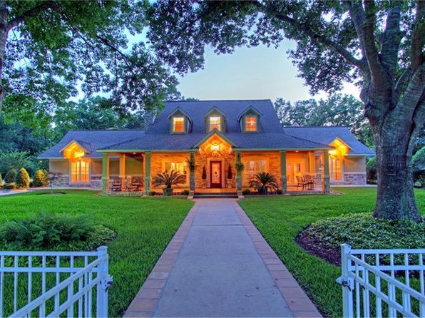 5 bed 4 bath Single Family at 11681 Leonidas Horton Rd Conroe, TX, 77304 is for sale at 1.63m - 1 of 32