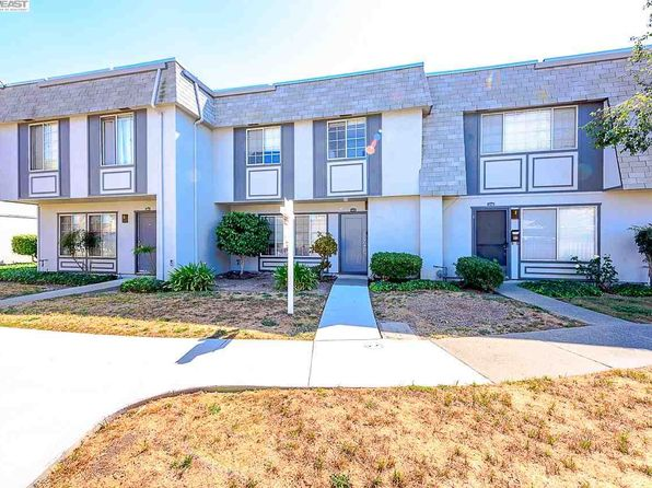 3 bed 2 bath Townhouse at 34674 Greenstone Cmn Fremont, CA, 94555 is for sale at 590k - 1 of 20