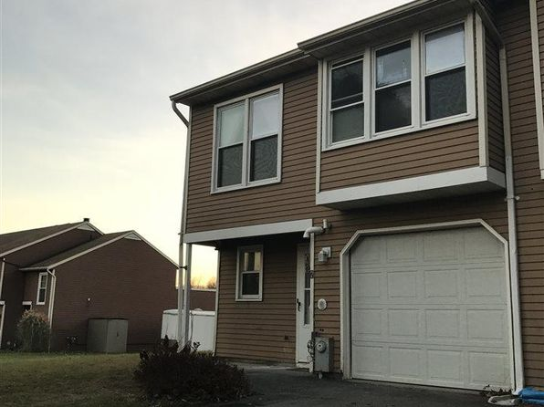 2 bed 1.1 bath Townhouse at 7 KIMBERLY CT CLIFTON PARK, NY, 12065 is for sale at 184k - 1 of 22