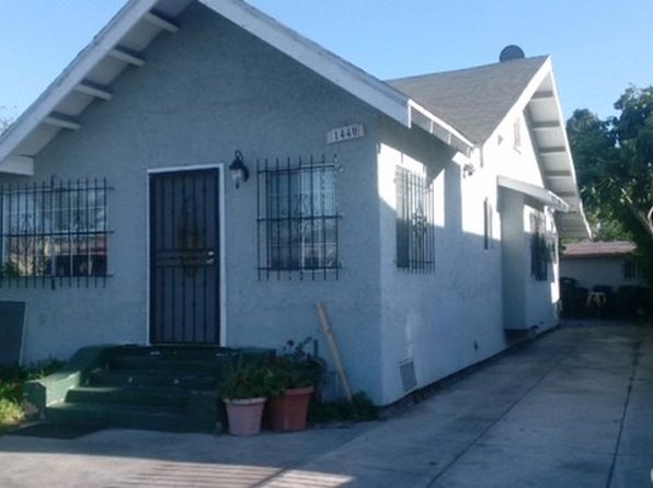 3 bed 2 bath Single Family at 1440 W 54th St Los Angeles, CA, 90062 is for sale at 320k - 1 of 3