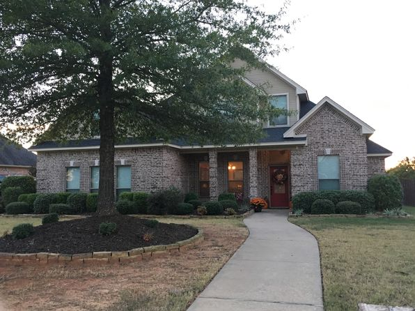 4 bed 3 bath Single Family at 555 Michelle Ln Reno, TX, 75462 is for sale at 254k - 1 of 20