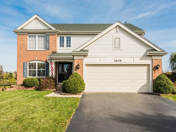 3 bed 3 bath Single Family at 1608 Seaton Ln Elgin, IL, 60123 is for sale at 295k - 1 of 19