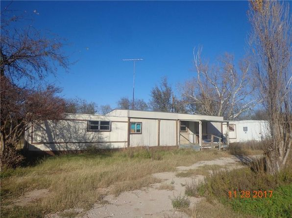 2 bed 1 bath Mobile / Manufactured at 1010 Oneal St Bangs, TX, 76823 is for sale at 30k - 1 of 3