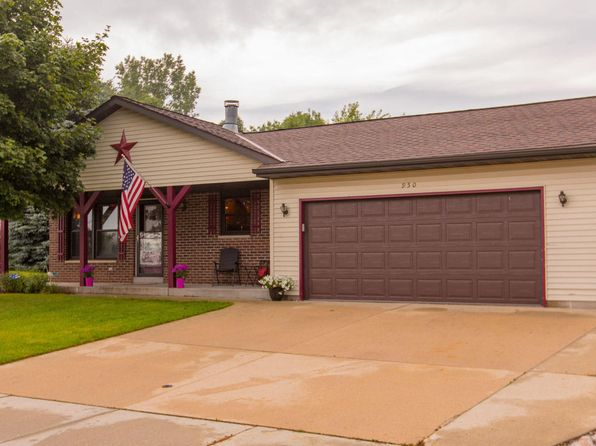 3 bed 2 bath Single Family at 950 Shepherds Dr West Bend, WI, 53090 is for sale at 215k - 1 of 25