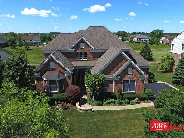 5 bed 5 bath Single Family at 15 Eagle Ridge Dr Hawthorn Woods, IL, 60047 is for sale at 675k - 1 of 59