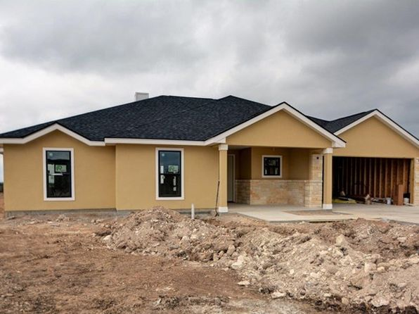 3 bed 3 bath Single Family at 237 Yorktown Blvd Kerrville, TX, 78028 is for sale at 350k - 1 of 9