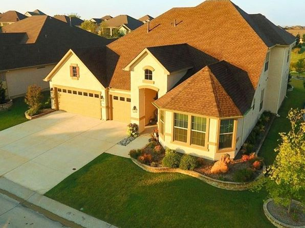 3 bed 4 bath Single Family at 8700 Maryland Ct Denton, TX, 76207 is for sale at 549k - 1 of 22