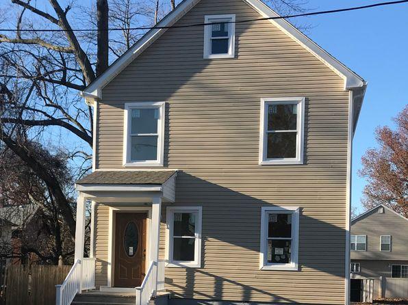 3 bed 2 bath Single Family at 711 Drake Ave Middlesex, NJ, 08846 is for sale at 340k - 1 of 12