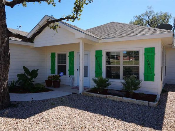 3 bed 2 bath Single Family at 640 Brookwood Kingsland, TX, 78639 is for sale at 160k - 1 of 24