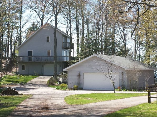 3 bed 3 bath Single Family at 4467 N Ridge Rd Mears, MI, 49436 is for sale at 1.20m - 1 of 26