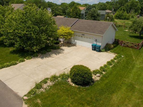 4 bed 3 bath Single Family at 1025 Suzy St Sandwich, IL, 60548 is for sale at 199k - 1 of 35