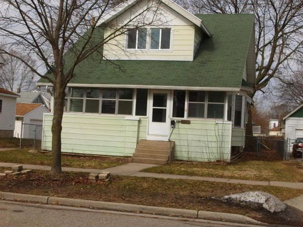 4 bed 1 bath Single Family at 1043 11th St NW Grand Rapids, MI, 49504 is for sale at 136k - 1 of 39