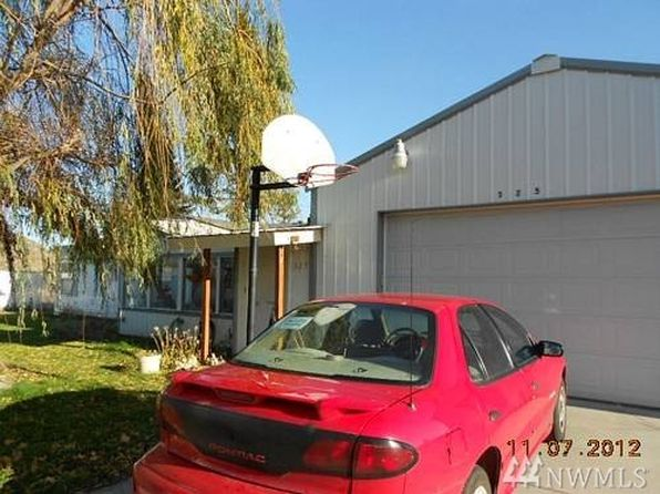 3 bed 2 bath Single Family at 325 13th St Bridgeport, WA, 98813 is for sale at 135k - 1 of 4