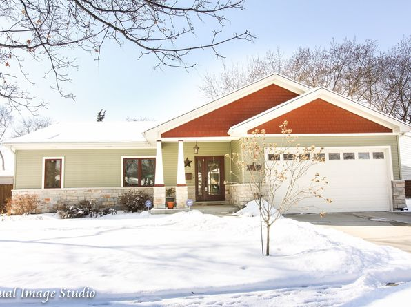 2 bed 2 bath Single Family at 598 Middlebury Ln Elk Grove Village, IL, 60007 is for sale at 359k - 1 of 25